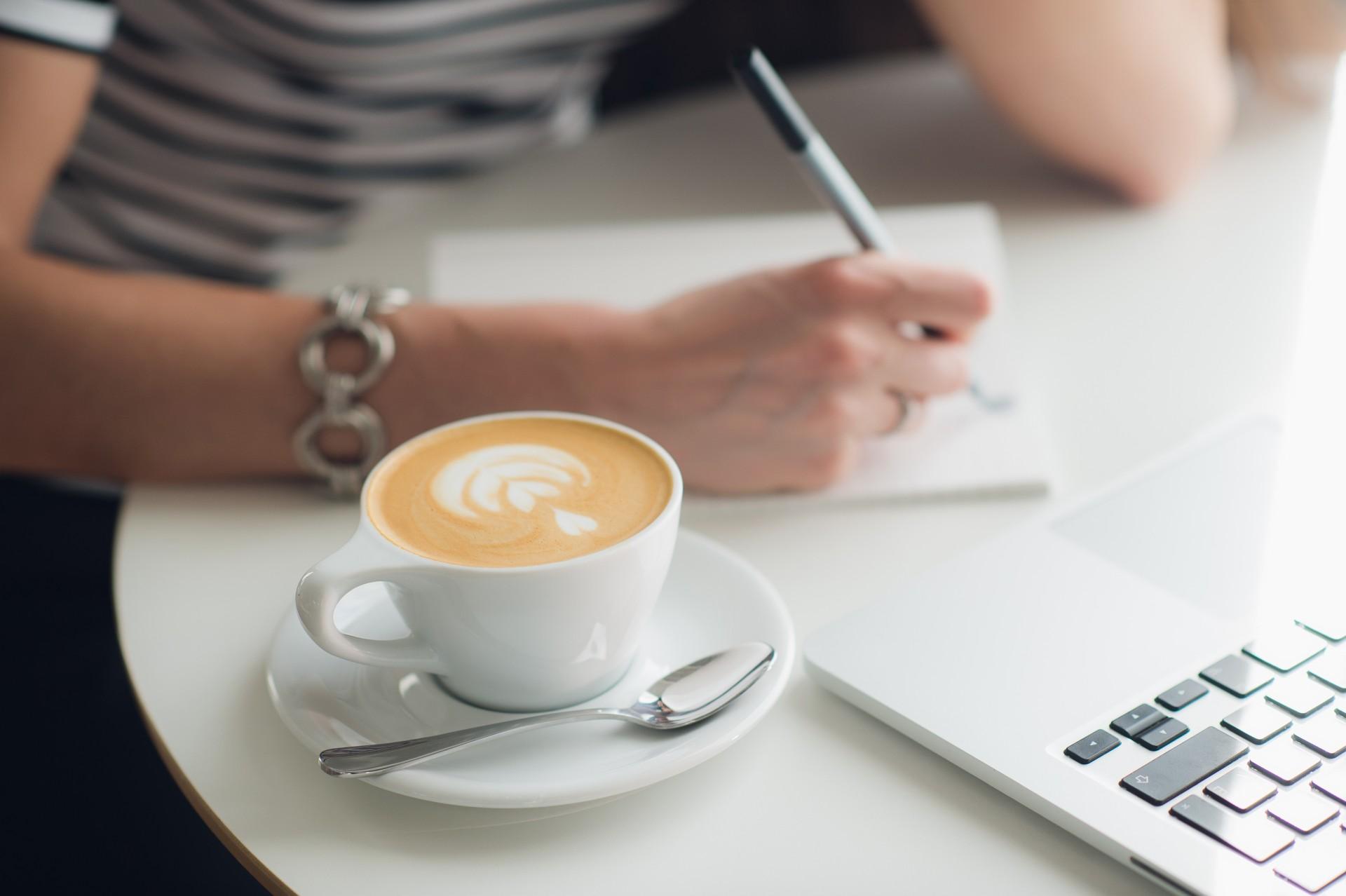 Jak pisać wartościowe treści nastronę internetową?